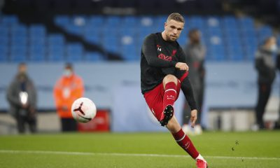 MANCHESTER, ENGLAND - NOVEMBER 08: Jordan Henderson of Liverpool warms up during the Premier League match between Manchester City and Liverpool at Etihad Stadium on November 08, 2020 in Manchester, England. Sporting stadiums around the UK remain under strict restrictions due to the Coronavirus Pandemic as Government social distancing laws prohibit fans inside venues resulting in games being played behind closed doors. (Photo by Clive Brunskill/Getty Images)