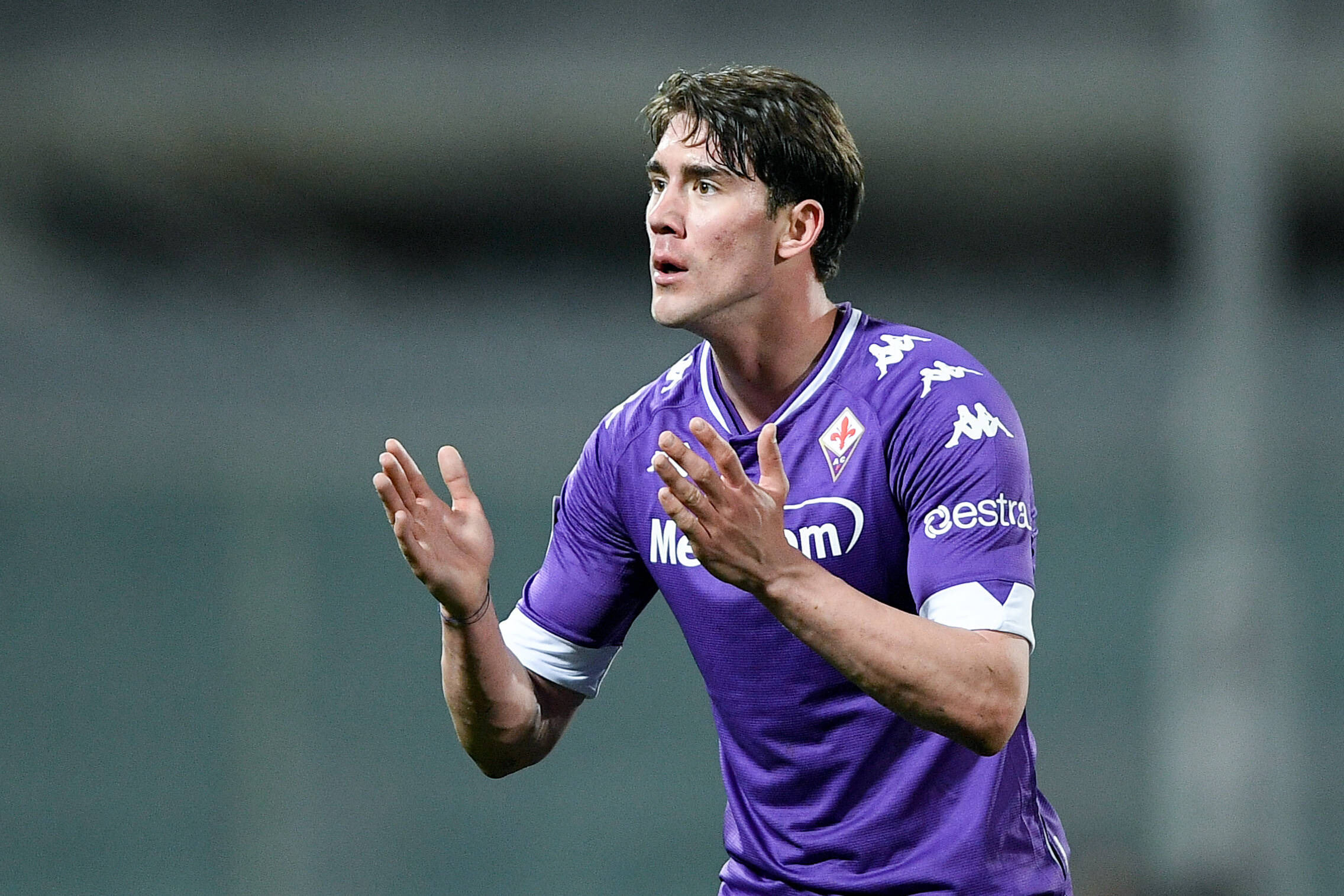 Dusan Vlahovic of Fiorentina is linked with a transfer to Liverpool, Real Madrid, and Manchester United.